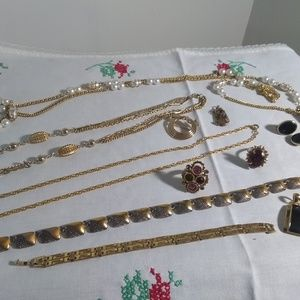women's vintage jewelry lot